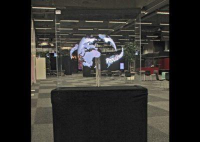 Hologram VIt jordglob i mässgång Smart 3D Holo. Hologram fläkt